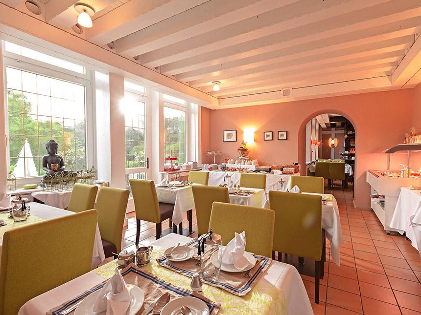 https://bilder.touridat.de/10067/8171/10067-8171-04-Restaurant
