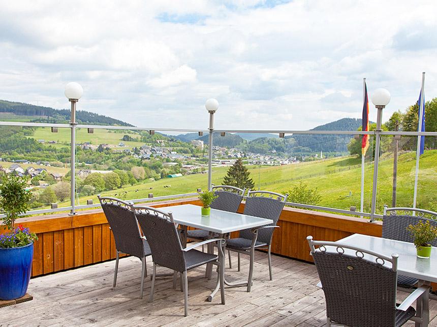 https://bilder.touridat.de/10930/8675/10930-8675-03-Balkon