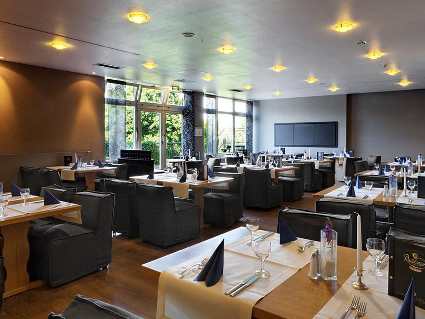 https://bilder.touridat.de/12676/1093/12676-1093-10-Restaurant