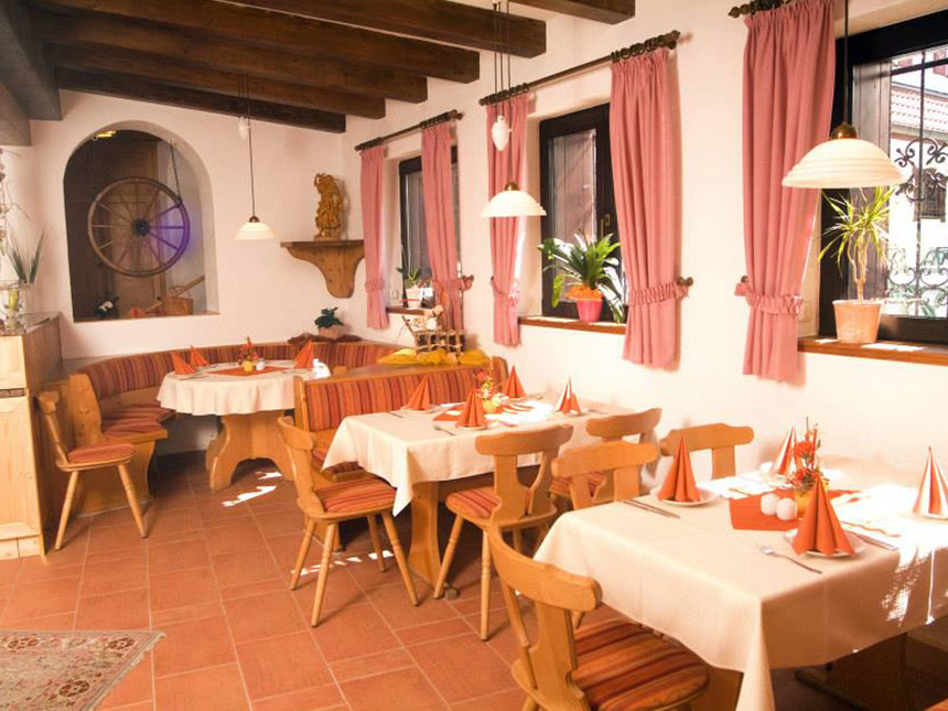 https://bilder.touridat.de/12786/6226/12786-6226-04-Restaurant-01