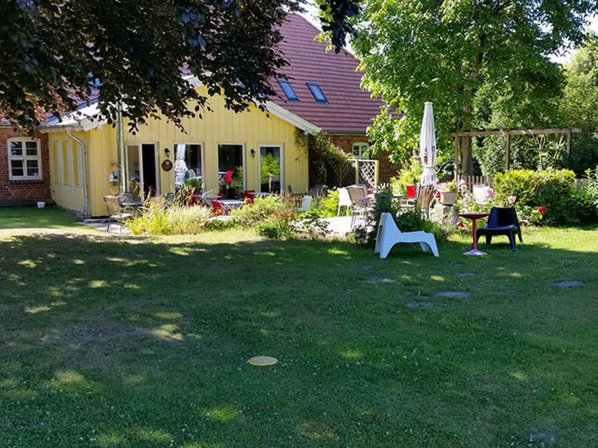 https://bilder.touridat.de/13193/7160/13193-7160-10-Garten-01