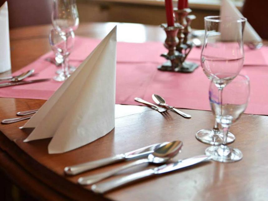 https://bilder.touridat.de/13222/7490/13222-7490-04-Restaurant