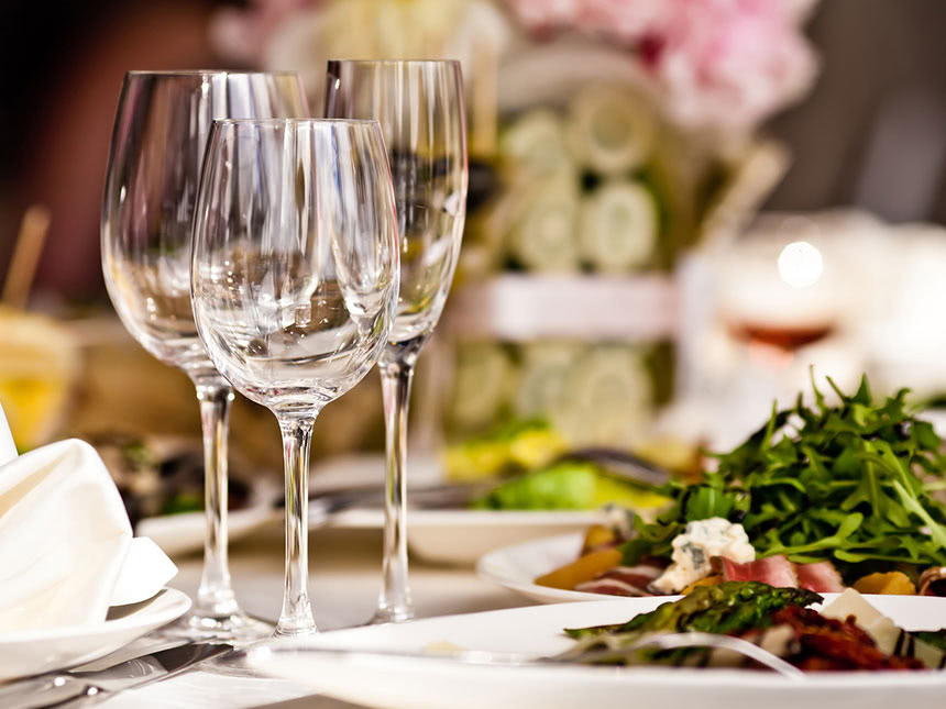 https://bilder.touridat.de/13834/8676/13834-8676-09-Restaurant