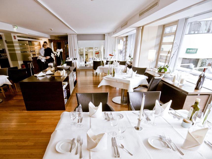 https://bilder.touridat.de/13878/1455/13878-1455-04-Restaurant-01