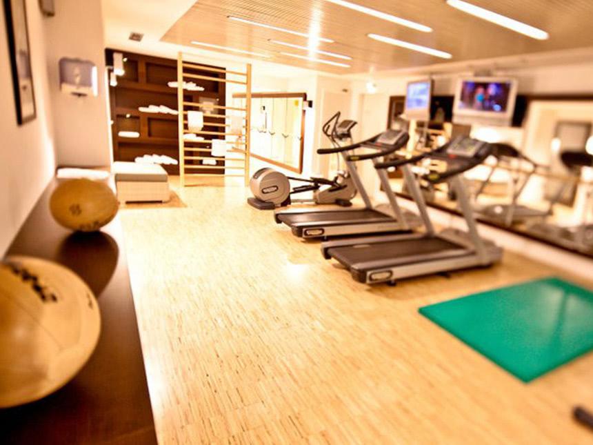 https://bilder.touridat.de/13878/1455/13878-1455-11-Fitnessraum