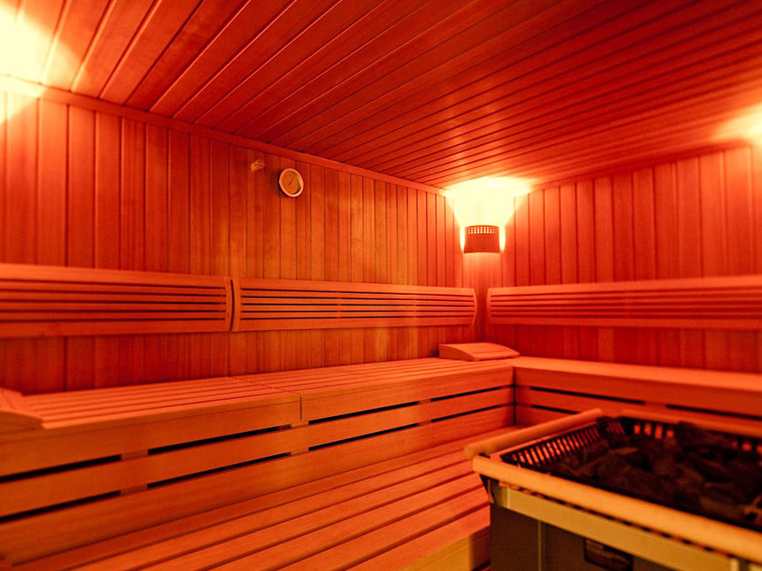 https://bilder.touridat.de/13878/1455/13878-1455-13-Sauna