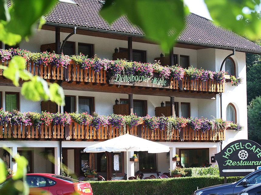 Schwarzwald 6 Tage Peterstal Kurzurlaub Hotel D...