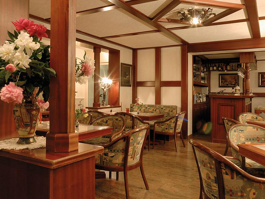 https://bilder.touridat.de/14006/825/14006-825-02-Restaurant