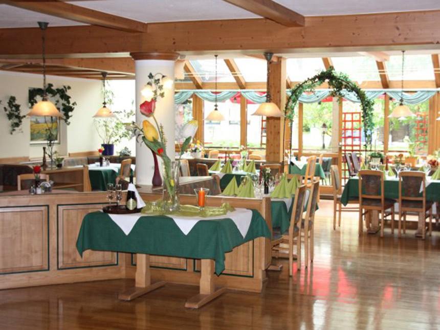 https://bilder.touridat.de/14105/3820/14105-3820-04-Restaurant-01