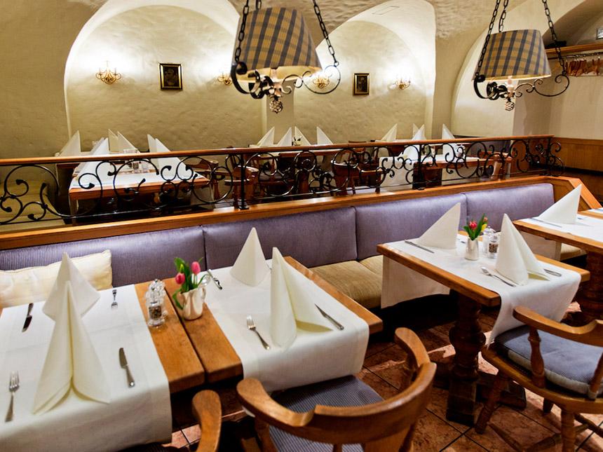 https://bilder.touridat.de/14153/8052/14153-8052-04-Restaurant