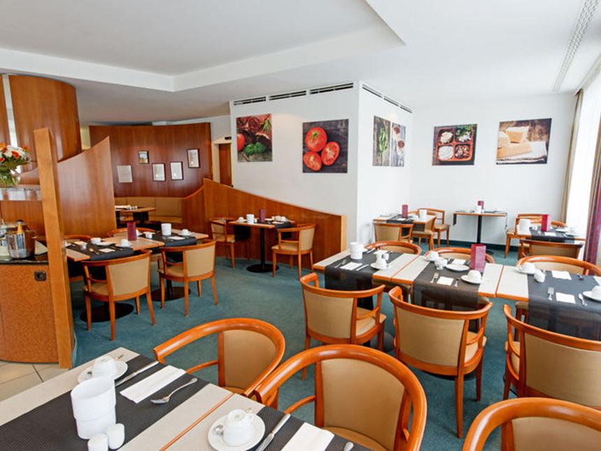 https://bilder.touridat.de/14184/6772/14184-6772-03-Restaurant