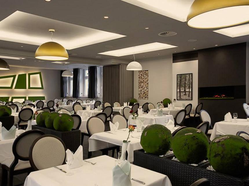 https://bilder.touridat.de/14644/8231/14644-8231-05-Restaurant