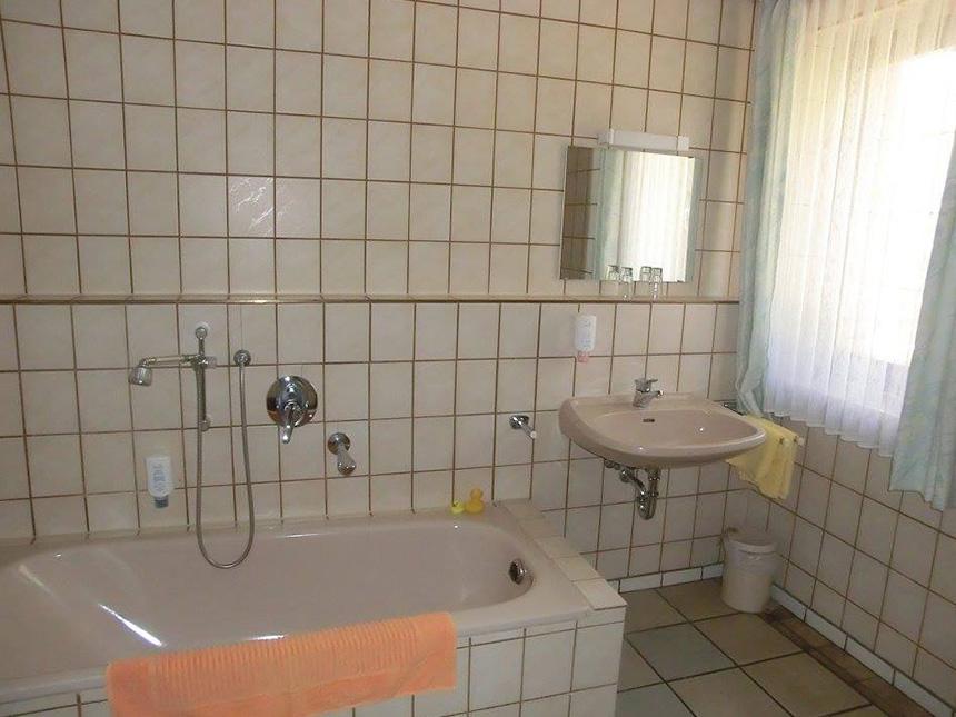 https://bilder.touridat.de/14668/2704/14668-2704-06-Zimmer