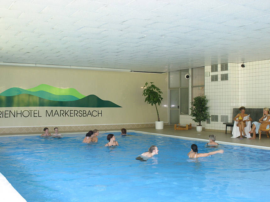 https://bilder.touridat.de/14744/3364/14744-3364-08-Schwimmbad