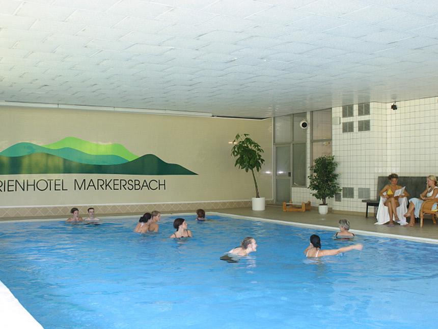 https://bilder.touridat.de/14744/4621/14744-4621-08-Schwimmbad
