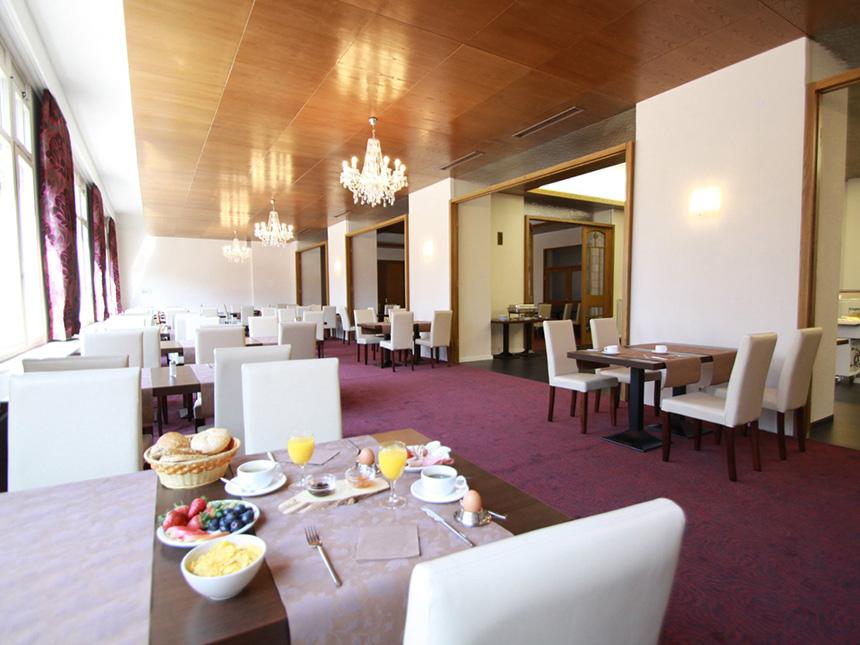 https://bilder.touridat.de/14816/2244/14816-2244-05-Restaurant