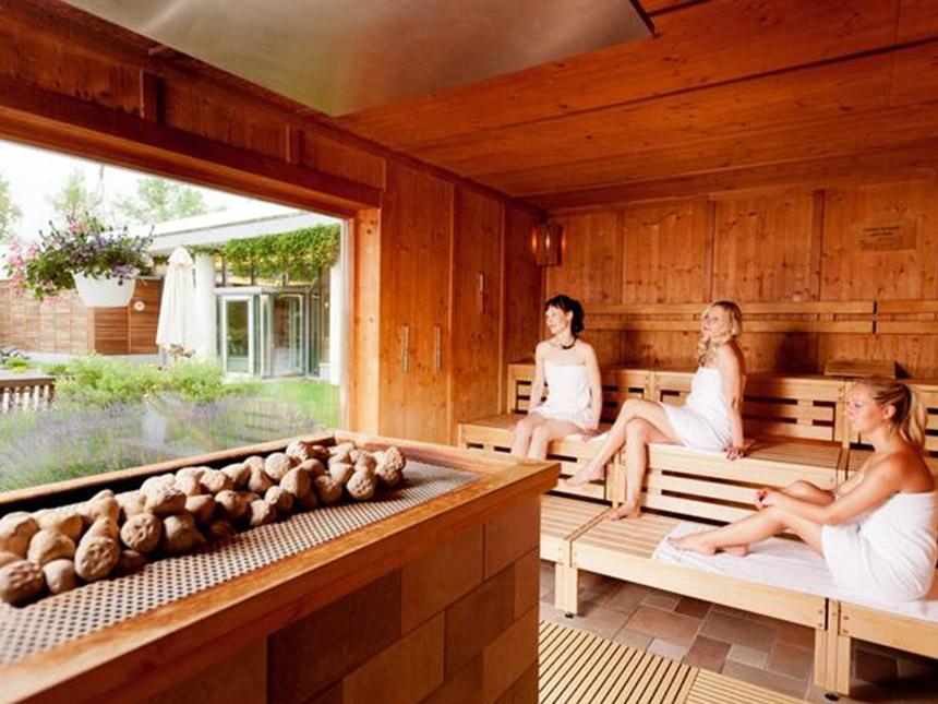 https://bilder.touridat.de/14892/4158/14892-4158-10-Sauna-02