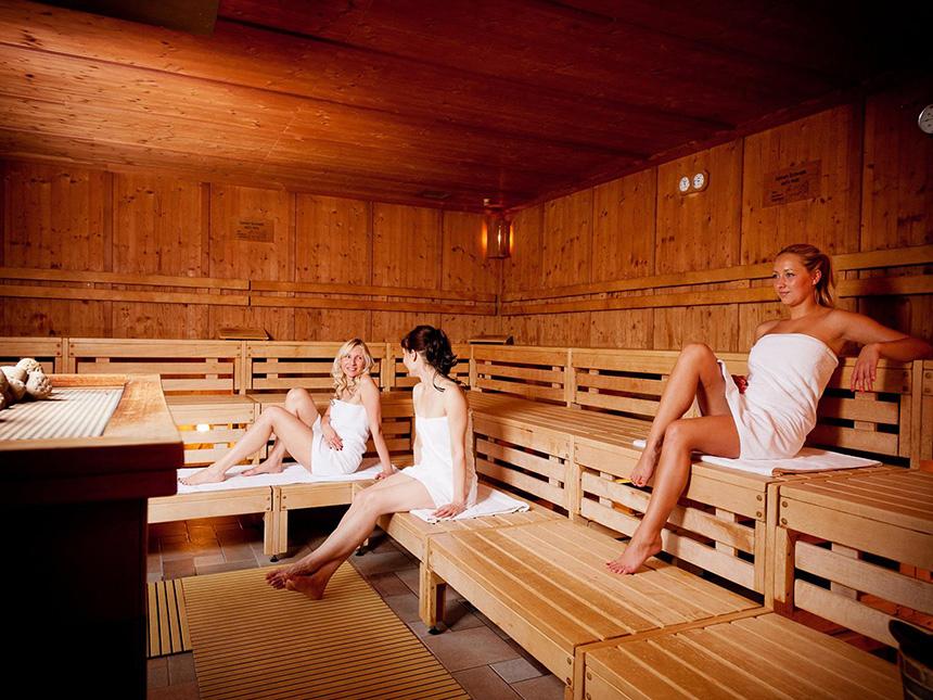 https://bilder.touridat.de/14892/4158/14892-4158-11-Sauna