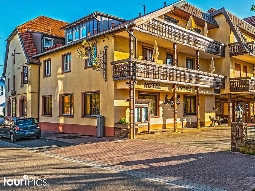 Schwarzwald 6 Tage Oberkirch Urlaub Hotel Pflug...