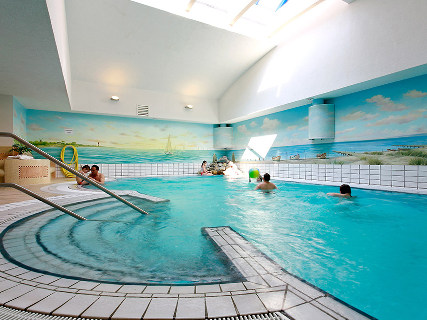 https://bilder.touridat.de/15004/8763/15004-8763-07-Schwimmbad