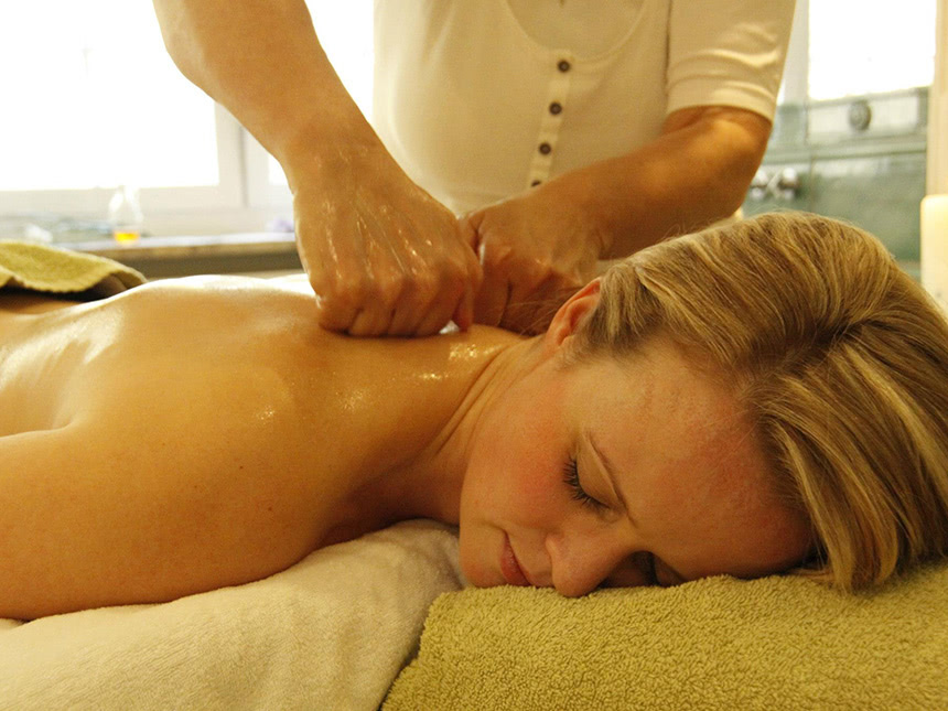 https://bilder.touridat.de/15044/3346/15044-3346-09-Massage