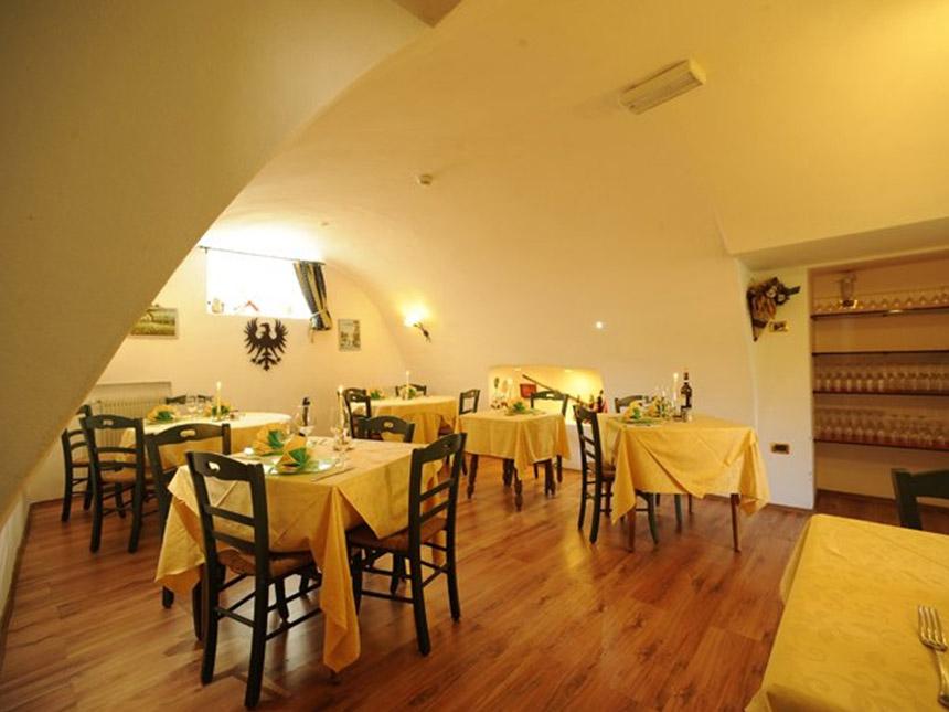 https://bilder.touridat.de/15069/3501/15069-3501-08-Restaurant