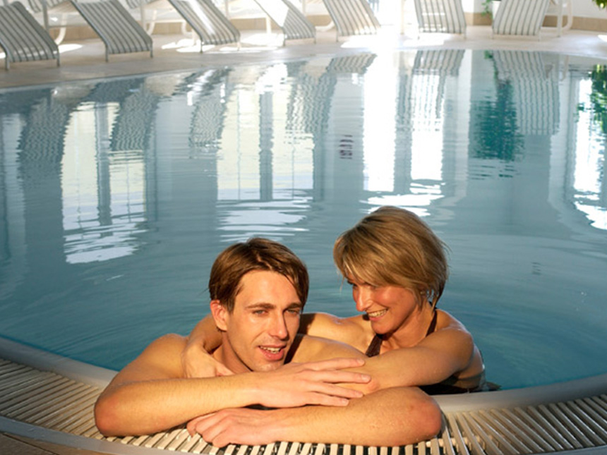 https://bilder.touridat.de/15083/7570/15083-7570-14-Pool