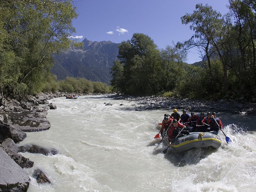 https://bilder.touridat.de/15083/7570/15083-7570-19-Rafting