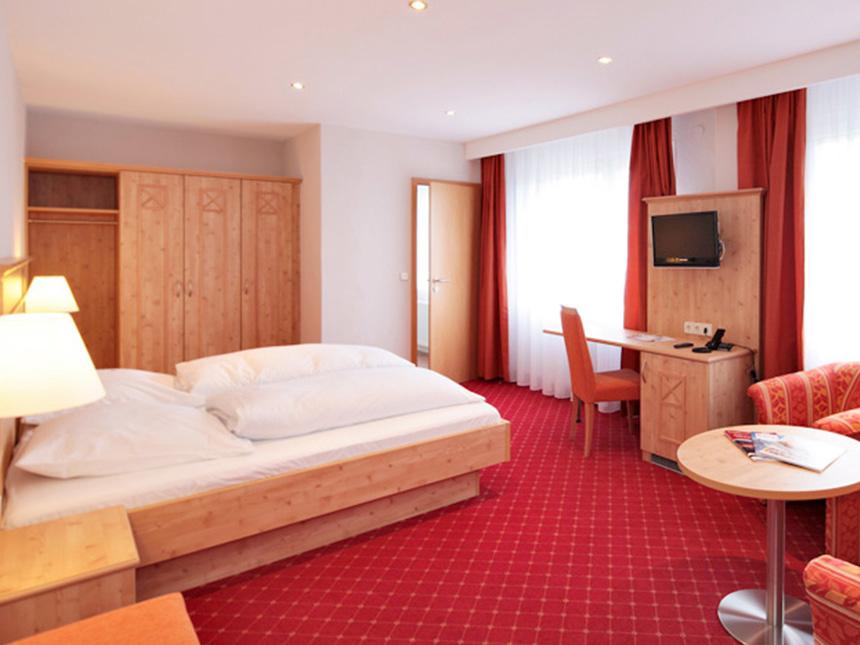 Schwarzwald-4-Tage-Feldberg-Gutschein-Hotel-Waldeck-Reise-Gutschein-Wandern miniatura 6