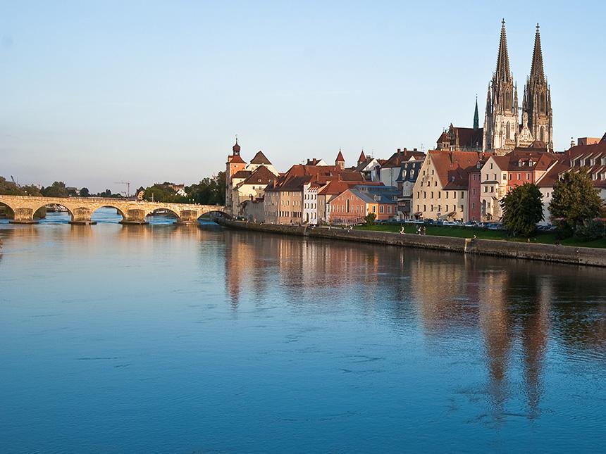 https://bilder.touridat.de/15136/3949/15136-3949-17-Regensburg