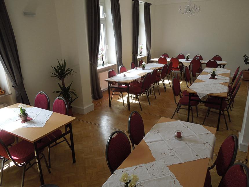 https://bilder.touridat.de/15159/6556/15159-6556-05-Restaurant
