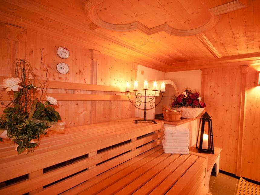 https://bilder.touridat.de/15165/4125/15165-4125-09-Sauna-00