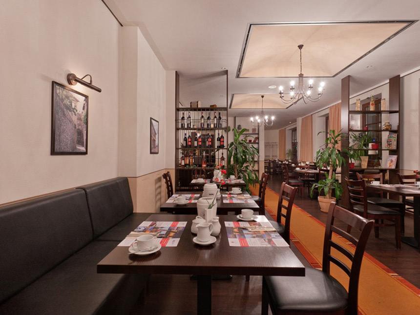https://bilder.touridat.de/15239/4429/15239-4429-04-Restaurant-02