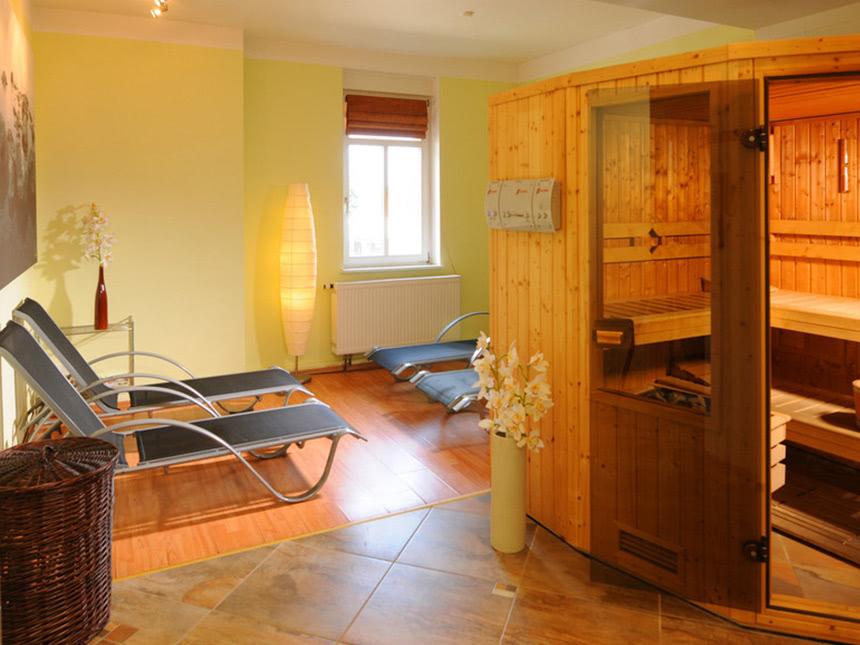 https://bilder.touridat.de/15239/4429/15239-4429-08-Sauna