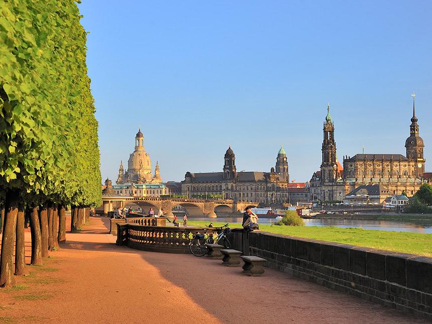 https://bilder.touridat.de/15239/4429/15239-4429-10-Dresden