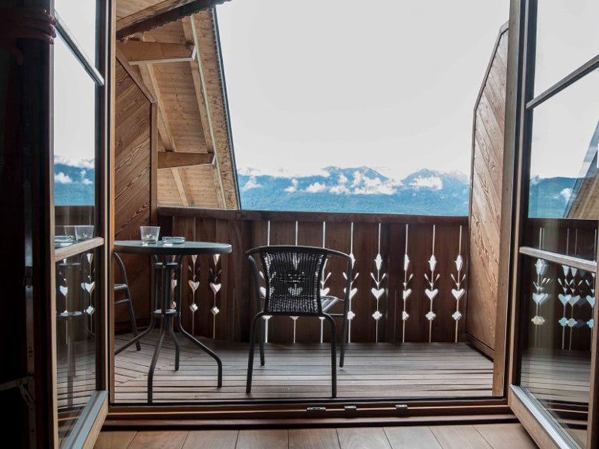 https://bilder.touridat.de/15265/4627/15265-4627-09-Balkon