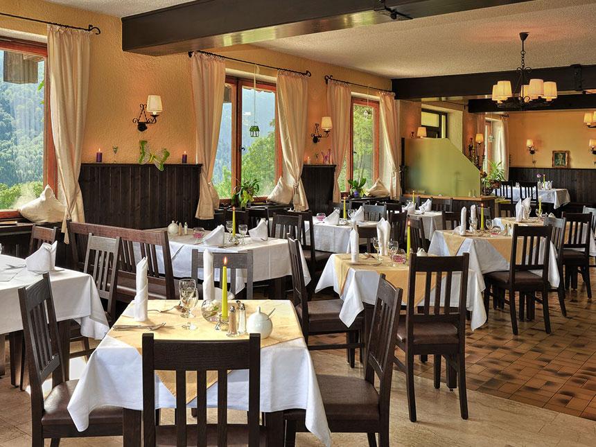 https://bilder.touridat.de/15283/6042/15283-6042-04-Restaurant