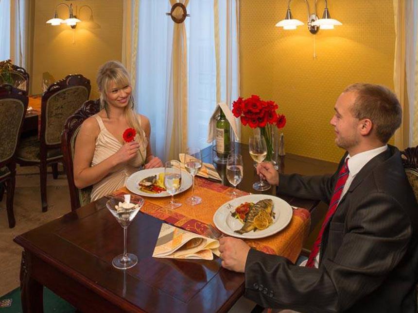 https://bilder.touridat.de/15293/4854/15293-4854-06-Restaurant