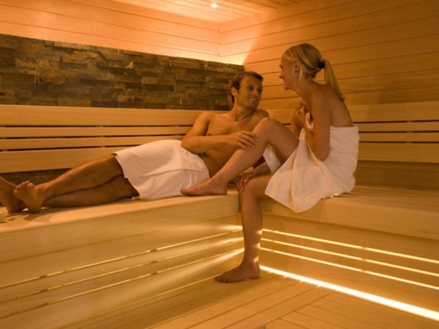 https://bilder.touridat.de/15295/8641/15295-8641-07-Sauna-02