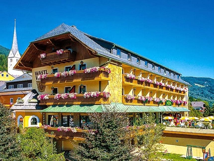 Vorschaubild von Lungau 4 Tage St. Michael Reise Romantik-Hotel Wastlwirt Gutschein Vollpension