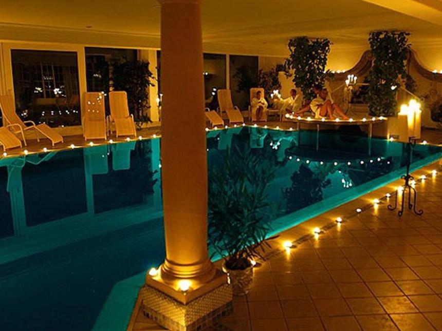 https://bilder.touridat.de/15306/4959/15306-4959-02-Pool-01