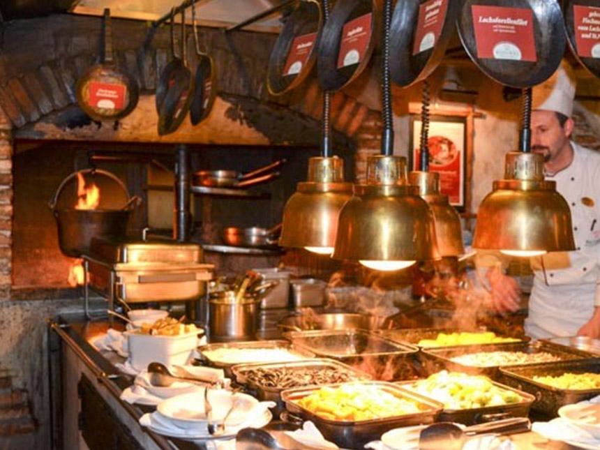 https://bilder.touridat.de/15306/4959/15306-4959-07-Restaurant-01