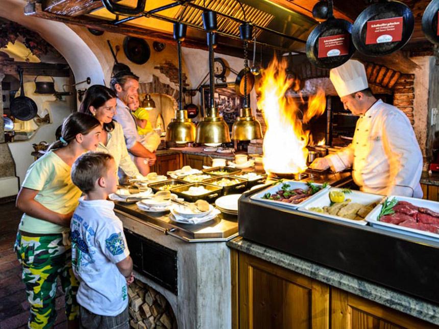 https://bilder.touridat.de/15306/4959/15306-4959-08-Restaurant