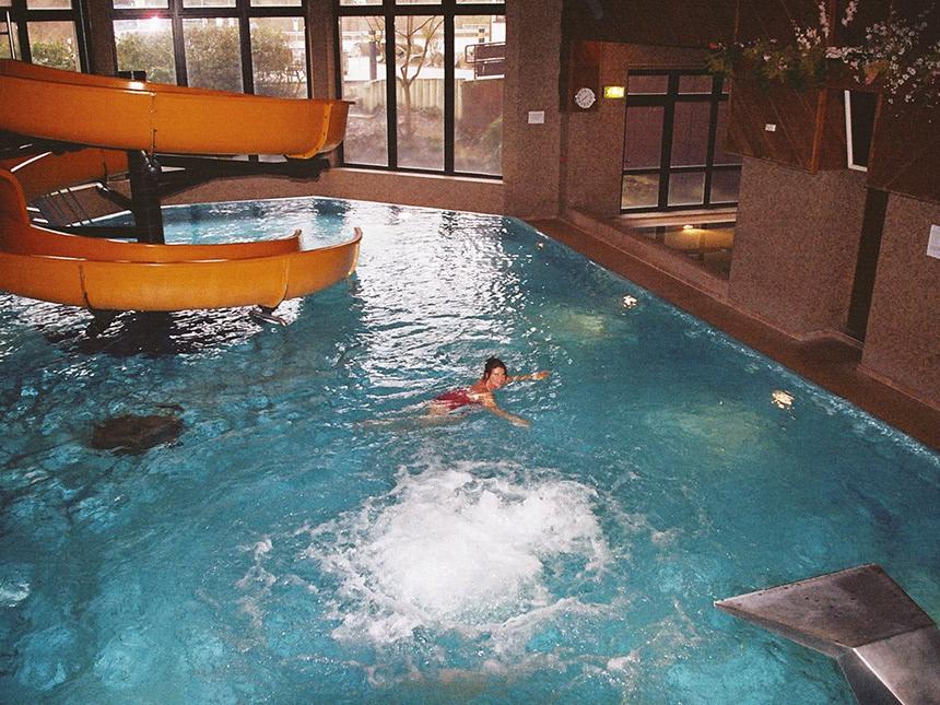 https://bilder.touridat.de/15308/5016/15308-5016-09-Schwimmbad