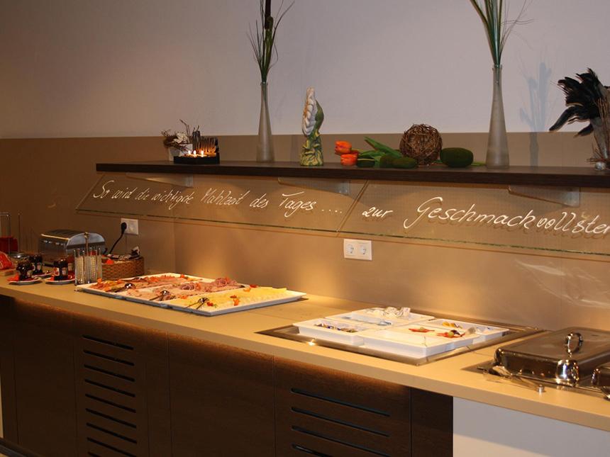 https://bilder.touridat.de/15332/5448/15332-5448-03-Restaurant