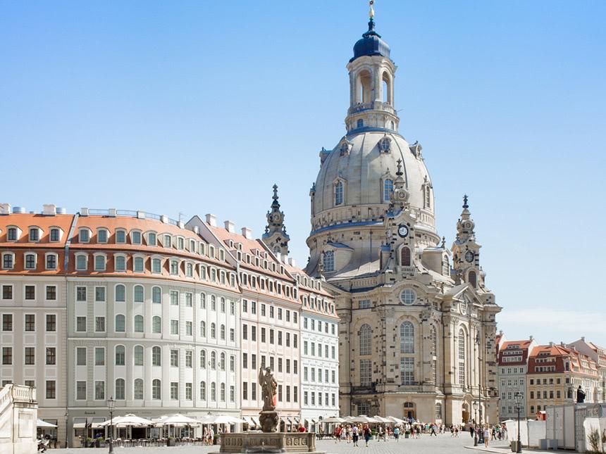 https://bilder.touridat.de/15359/5455/15359-5455-02-Frauenkirche