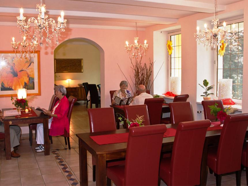 https://bilder.touridat.de/15365/5735/15365-5735-03-Restaurant-05