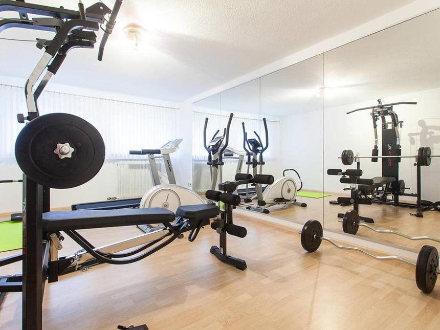 https://bilder.touridat.de/15382/5521/15382-5521-09-Fitness