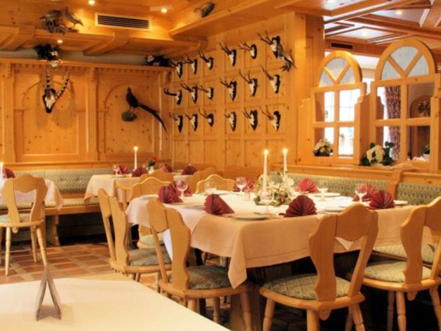 https://bilder.touridat.de/15403/5756/15403-5756-02-Restaurant