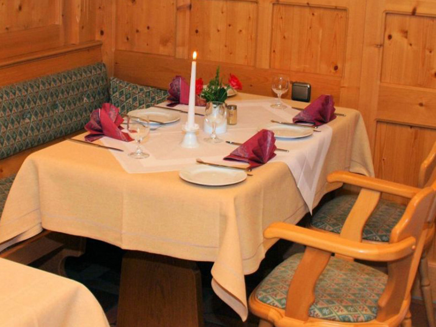 https://bilder.touridat.de/15403/5756/15403-5756-06-Restaurant